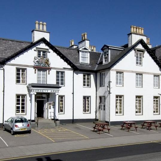 Banchory Burnett outside