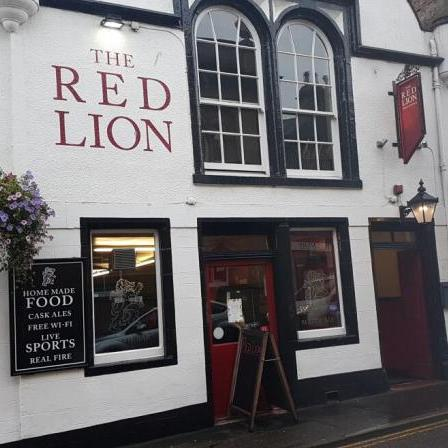 Red Lion Forres outside